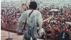 """Happy 4th! Hendrix, The Edge & a Cast of Fender Players Rock """"The Star Spangled Banner"""" 