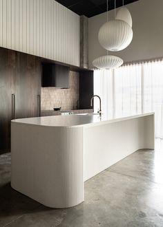 Serene elegance in this kitchen with a tiled Travertine splash back Kitchen Showroom, Kitchen Interior, New Kitchen, Kitchen Design, Kitchen Island, Shaker Kitchen, Kitchen Decor, Architecture Life, Interior Architecture