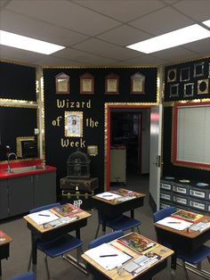 I would love to do a classroom like this. I just wonder where they found the templates etc.