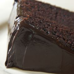 A moist dark chocolate cake recipe with a delicious dark chocolate icing.