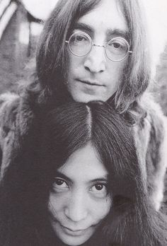Afbeeldingsresultaat voor john lennon and yoko ono John Lennon Yoko Ono, John Lennon Beatles, The Beatles, Woodstock, Sell Music, Music Online, Joko, Famous Couples, Ringo Starr