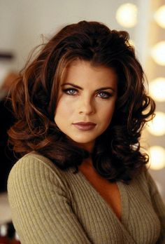 Hottest photos of Yasmine Bleeth anywhere online. Check out our Yasmine Bleeth hot photo gallery! Richard Grieco, Yasmine Bleeth, New York City, Amanda, Baywatch, Bleached Hair, Hot Brunette, Famous Women, Timeless Beauty