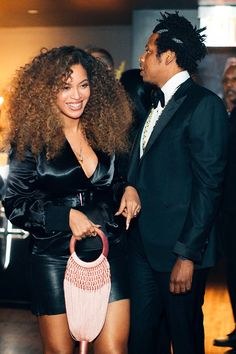 Beyonce Individuals Magazine's the majority of the stunning lady on the planet, Beyonce, lately discussed a number of the woman's strategie. Beyonce Knowles Carter, Beyonce And Jay Z, Beyonce Coachella, Beauty Hacks For Teens, Beyonce Style, Celebrity Couples, Celebrity Style, Black Love, Cute Couples