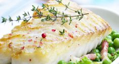 25 easy and tasty recipes with cod back Easy Potato Recipes, Potatoe Casserole Recipes, Easy Fish Recipes, Sweet Potato Casserole, Whole30 Fish Recipes, Meat Recipes, Baking Recipes, Delicious Recipes, Frozen Sweet Potato Fries