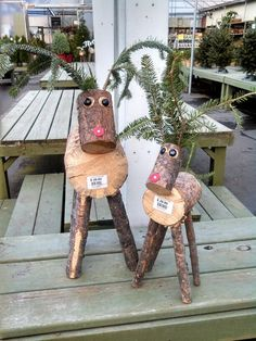 These adorable reindeer are made out of small tree logs, 2 black flat mancala rocks, and a red roofing nail. You can add cedar antlers and tail or use wooden branches in the place of the cedar. Christmas Projects, Holiday Crafts, Holiday Fun, Christmas Holidays, Christmas Ornaments, Log Projects, Outdoor Christmas, Homemade Christmas, Rustic Christmas