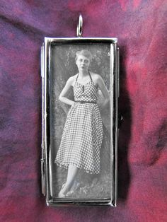 Vintage Photo Pendants that tell a small story... love these!