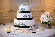Black & White Wedding Cake   www.seedfloral.com