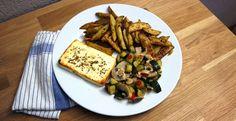 Gemüsepfanne mit Kartoffelecken und gebackenem Honig-Feta » Kartoffeln können richtig etwas hermachen und lassen sich auf vers ...