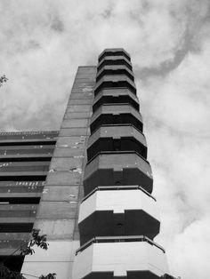 :::  Trinity Square (Get Carter) Car Park Gateshead - Owen Luder