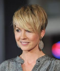 Funky short pixie haircut with long bangs ideas 16