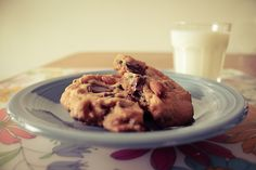 sea salt almond chocolate chip cookies are my fave (guest post from Ashley) on http://www.youaremyfave.com