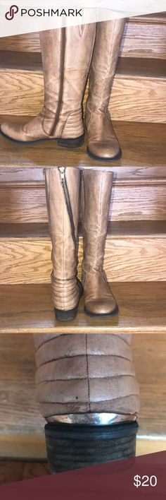 Steve madden tall boots Steve madden tall boots size 9 1/2 excellent worn condition Steve Madden Shoes