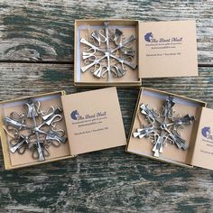 Horse Ornament Snowflake from Authentic Horseshoe Nails ( 3 design options ) Wine Cork Ornaments, Snowflake Ornaments, Star Ornament, Handmade Ornaments, Christmas Tree Ornaments, Christmas Stars, 1950s Christmas, Pinecone Ornaments, Snowman Ornaments