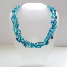 Braided collier. Coloured Agate, glass beads and seed beads. Did 6 rows, divided into 3 and braided it.