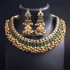 Gold Jewellery Designs Necklace In Dubai Kids Gold Jewellery, Indian Jewelry Sets, Real Gold Jewelry, Gold Jewellery Design, India Jewelry, Indian Accessories, Jewellery Shops, Metal Jewelry, Antique Jewelry