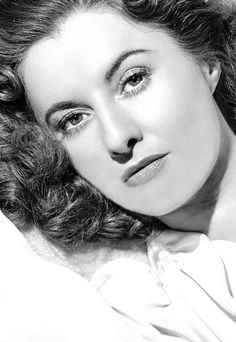 """Career is too pompous a word. It was a job and I have always felt privileged to be paid for doing what I love doing. "" Barbara Stanwyck"