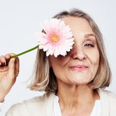 Light therapy and anti-aging Red Light Therapy, Holistic Treatment, Muscles In Your Body, Loose Skin, Some People Say, Aging Process, Younger Looking Skin, Anti Aging, Flowers
