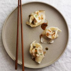 Food & Wine: Pork-and-shrimp wontons in hot and sour sauce