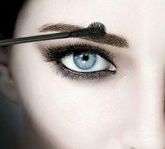 healthy living tips wellness care plan pdf Beauty Logo, My Beauty, Beauty Makeup, Beauty Hacks, Perfect Eyes, Perfect Body, Brows, Eyeliner, Dark Circles Makeup