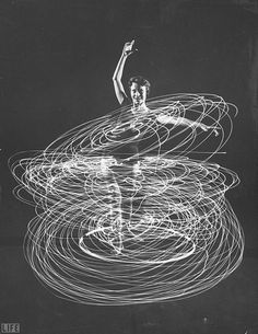 EYERMAN // A multiple exposure of a woman playing with a hula hoop // 1958 Movement Photography, Dance Photography, White Photography, Abstract Photography, Multiple Exposure, Double Exposure, Long Exposure, Immergut Festival, Black N White Images