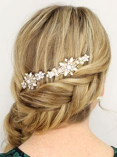 braided+wedding+hairstyles,+bridal+hairstyles+with+plaits+-+inverted+fishtail+french+braid