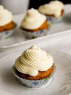 Mrkvový dort / carrot cake / mrkvové muffiny Breakfast Recipes, Dessert Recipes, Desserts, Cheesecake Pops, Yummy Mummy, Carrot Cake, Love Food, Keto Recipes, Sweet Tooth