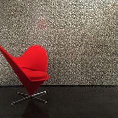 Keith Haring virou pattern de azulejos aqui em Milão #10corsocomo #corsocomo #keithharing #pattern #tiles #azulejos #revestimentos #italianstyle #italiandesign #milan #milao #milano #milan2015 #milao2015 #milano2015 #design #decoration #designweek