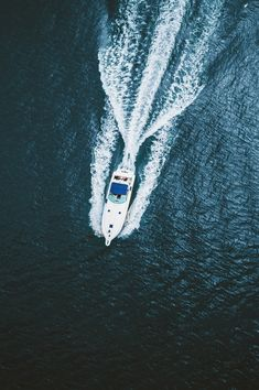 "avenuesofinspiration: """"Coasting | Photographer © | AOI"" """