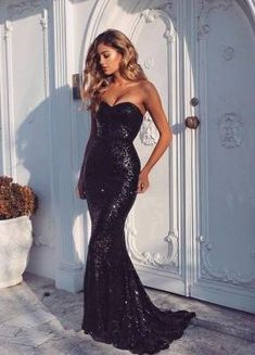 Black prom dresses are chic and timeless! Check out this list of black prom dresses to find your own classic prom look for this year's prom! Black Sequin Prom Dress, Sequin Prom Dresses, Black Prom Dresses, Mermaid Prom Dresses, Homecoming Dresses, Sexy Dresses, Beautiful Dresses, Formal Dresses, Black Sequins