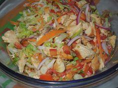 Deliciosa receta de ensalada de pollo rostizado, se puede hacer con el pollo que nos quedo de la comida de ayer, fresco, rico y económico. Es muy fácil de hacer, además de ser saludable.