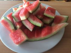 Co jste možná nevěděli o melounové slupce a proč ji jíst – Zdraví mě baví Atkins Diet, Home Recipes, Detox Drinks, Health And Beauty, Life Is Good, Watermelon, Remedies, Food And Drink, Herbs
