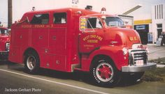 http://shippensburgfiredepartment.blogspot.com/2008/02/wefrs-1954-gmc-rescue-squad.html