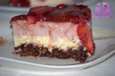 Las tartas de fresas me gustan mucho y mi preferida es la tarta de fresas con nata. Para variar había pensado hacer una tarta de fresas distinta y presentarla en formato mini, pero al hacerlas sobre la marcha, preferí una tarta grande. El resultado fue una tarta con base crujiente de fresas y chocolate blanco sin horno. Se terminó muy rápida esta deliciosa tarta con base crujiente de fresas y...