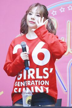 Sooyoung, Yoona, Girls Generation, South Korean Girls, Korean Girl Groups, Sunny Snsd, Strawberry Hair, Holiday Nights, Fandom