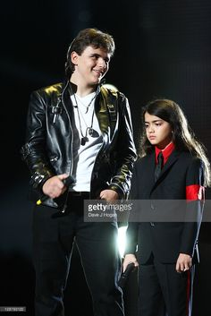 Prince Jackson and Blanket Jackson onstage at the 'Michael Forever' concert to remember the late Michael Jackson at The Millenium Stadium on October 2011 in Cardiff, United Kingdom. You Are The Sun, You Are My Life, Paris Jackson, Jackson Family, Jackson 5, Michael Jackson, Stephen Gately, Mj Kids, Prince