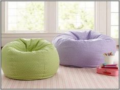 You would like to design a cozy living space? Setting up a relaxing corner in the room is the perfec How To Make A Bean Bag, Blue Bean Bags, Diy Bean Bag, Cozy Living Spaces, Sewing Patterns Free, Free Sewing, Sewing For Kids, Memory Foam, Bean Bag Chair