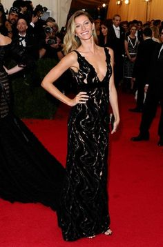 Gisele Bundchen in custom Balenciaga with Fred Leighton jewels at the 2014 Met Gala