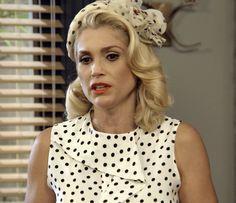 Sandra finge estar sendo chantageada (Foto: TV Globo)