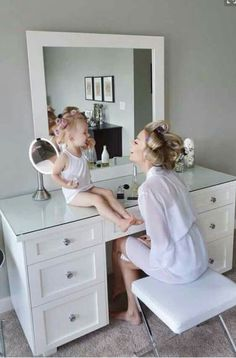 """This would be an adorable photo as a """"getting ready """" pose!"""