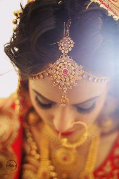 "Mutos studio ""Portfolio"" album - Indian wedding maang tikka for bride Wedding Couple Poses, Wedding Couples, Wedding Photos, Wedding Photography India, Indian Wedding Makeup, Lehenga Wedding, Getting Ready Wedding, India Wedding, Bride Portrait"
