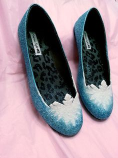 FROZEN inspired snowflake Elsa cosplay glitter shoes by aishavoya I sense a weekend project