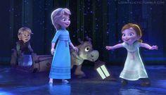 Frozen Photo: Young Elsa, Anna, Kristoff and Sven Disney Princess Facts, Disney Princess Babies, Disney Princess Pictures, Princess Anna, Anna Y Elsa, Frozen Elsa And Anna, Disney Frozen Elsa, Anna Kristoff, Disney Magic