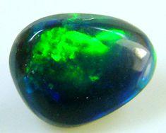 BLACK OPAL IDEAL RING STONE GREEN HUES   .30 CTS   QO 2428 black opal, Australian Black Opal