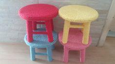 Kit com 4 banquinhos em crochê  Consulte cores disponíveis;)