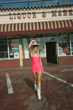 LA based feminine-focused clothing brand For Love & Lemons presents its Festival Capsule Collection full of festival fashion staples. Cowgirl Costume, Cowgirl Party, Deer Costume, Hippie Costume, Halloween Kostüm, Halloween Outfits, Couple Halloween, Halloween Costumes, Traje Cowgirl