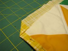 Rae pretends she can quilt - cheater binding tutorial
