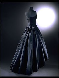 Soiree de Decembre; Y line Evening dress (back), House of Dior, ca. 1955-56