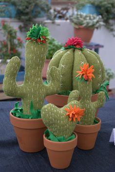Bikico Handmade Creations: Cactus.. Felt Diy, Felt Crafts, Diy And Crafts, Cactus Craft, Cactus Decor, Felt Flowers, Fabric Flowers, Cactus Fabric, Felt Succulents