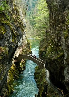 Gorges de l'Areuse in Jura Mountains, Switzerland. The Val de Travers is a Jura mountain valley perpendicular to the main valleys (hence the name). The river Areuse has cut itself steeply through the soft limestone and clay sediments. Best Places In Switzerland, Visit Switzerland, Places To Travel, Places To See, Travel Destinations, Vacation Meme, Reisen In Europa, Take Better Photos, Bryce Canyon