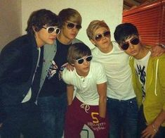 Find images and videos about one direction, niall horan and louis tomlinson on We Heart It - the app to get lost in what you love. One Direction Selfie, One Direction Cartoons, One Direction Quotes, One Direction Videos, One Direction Pictures, I Love One Direction, Foto One, Harry Styles Pictures, Louis And Harry